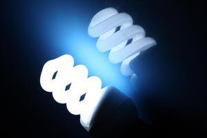 Ilustración de Cómo ahorrar energía con los electrodomésticos, iluminación y climatización