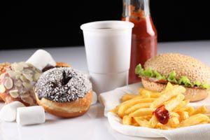 Ilustración de Consejos para ahorrar cuando tienes que comer fuera de casa
