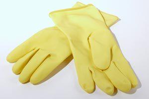 Ilustración de Consejos para limpiar superficies de metal y vidrio en el hogar