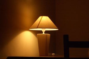 Ilustración de Luces para reducir los gastos de iluminación en casa