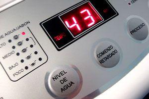 Ilustración de Consejos para elegir una lavadora de diseño y decorar una convencional
