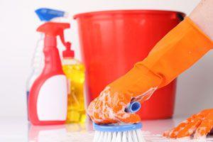 Ilustración de Consejos para ahorrar dinero en la compra de productos de limpieza