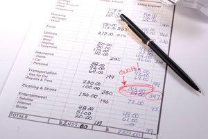 Ilustración de Ideas para organizar eventos familiares compartiendo gastos