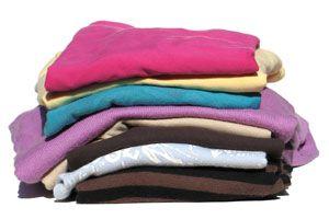 Ilustración de Consejos de ahorro: lavado de ropa eficiente y económico