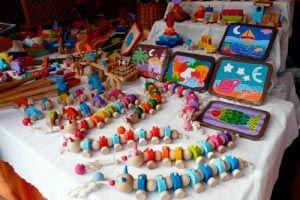 Ilustración de Qué juguete regalar a un niño según su edad y desarrollo