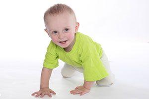 Ilustración de Desarrollo de los bebés de 8 meses y formas de estimularlos