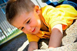 Ilustración de Cómo son los niños de 3 años: Desarrollo y personalidad