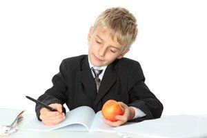 Ilustración de Consejos para ayudar al niño en la adaptación al primer año escolar