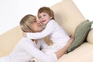 Ilustración de ¿Por qué el bebé suele ser más simpático con otras personas?
