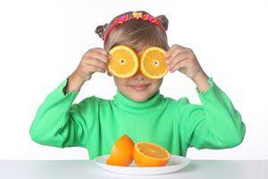 Ilustración de Ideas para que los niños se acostumbren a comer frutas