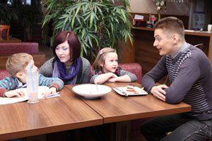Ilustración de Cómo mantener una buena relación con los hijos de tu nueva pareja