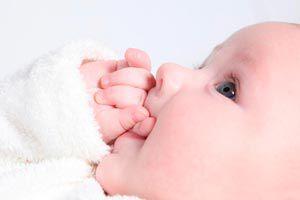 Ilustración de Las primeras señales y comunicación con tu bebé