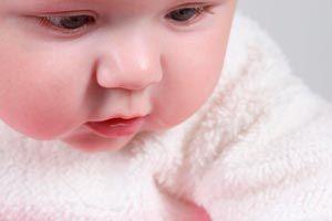 Ilustración de Mi bebé no me deja ni un segundo: ¿qué hago?