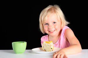 Ilustración de Las comidas rápidas y un análisis de lo que le enseñamos a los niños