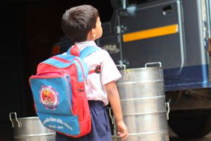 Ilustración de Cómo elegir una mochila para niños: peso, tamaño y uso correcto