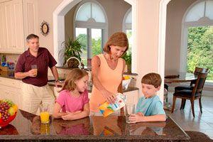 Ilustración de Claves para mantener la armonía en un hogar con niños