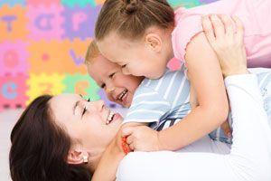 Ilustración de Cómo Jugar con Bebés de 1 Año