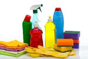 Ilustración de Productos de Limpieza que No se Deben Mezclar