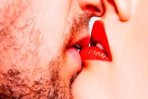 Ilustración de Significado de soñar con besar a un amigo