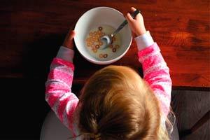 Ilustración de Tips para motivar a los niños a comer el desayuno diariamente