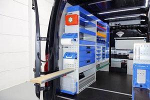 Ilustración de La importancia de equipar con estanterías las furgonetas de uso profesional