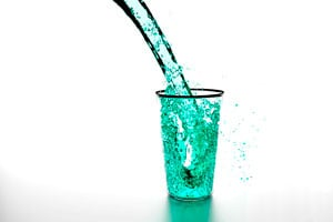 Ilustración de Cómo purificar el agua en casa