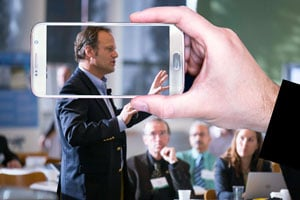 Ilustración de ¿Cómo posicionar tu emprendimiento en redes sociales ? La importancia del formato audiovisual